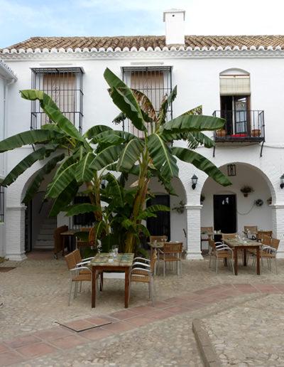Pueblo López - Plaza- Donald Gray